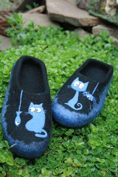 """Купить Мужские Тапочки валяные """" Лунный кот"""" - валяная обувь, тапочки домашние"""