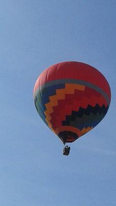 Aqui é assim: você pode acordar com esta surpresa desta em cima de seu telhado kkk