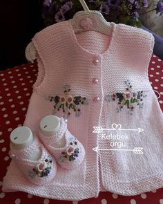 Knit Or Crochet, Crochet For Kids, Crochet Baby, Tricot Baby, Diy Crafts Knitting, Little Mac, Cardigan Design, Baby Cardigan, Knitting For Beginners