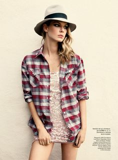 angela lindvall model6 Angela Lindvall Keeps it Low Key for Hilary Walsh in S Moda Spread