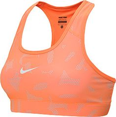 Your mom has spent her whole life supporting you, give her some support back with this NIKE Women's Pro Printed Sports Bra