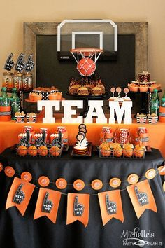 Basketball Party Idea: March Maddness Themed Food & Mini Basketball Party Favors : Basketball Party Ideas Get ready for the Big College Basketball tournament with a Munch Madness Basketball Party! Mini Basketball, Basketball Party Favors, Basketball Baby Shower, Basketball Decorations, Basketball Birthday Parties, Adult Birthday Party, Birthday Party Themes, College Basketball, Basketball Awards