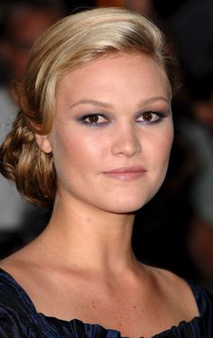 Julia Stiles - hair!