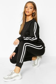 Red Tracksuit, Adidas Tracksuit, Casual Wear, Casual Outfits, French Street Fashion, Adidas Outfit, Fashion Face, Online Shopping Clothes, Lounge Wear