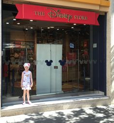 Disney store Naples. Little Maya cap scarf with rose. Handmade in Finland.