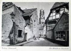 Freiburger Altstadt am Schwabentor - Schöne Postkarte mit einer Darstellung der oberen Altstadt in der Nähe des Schwabentor. Die Straße Insel etwa um das Jahr 1942 ist hier zu sehen.    Vielen Dank für dieses Bild an unseren Facebook-Fan Christof Gramer /*  */