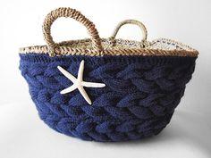 knitted bag *inspiration / かごバッグ-(L)-NVY - Beyond the reef 丁寧に編み込まれたニットとシェルでアレンジされた大人女子の自慢のかごバッグ