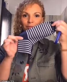 Safia Aggoune, a dancer from Amsterdam, took to her Tik Tok account, to demonstrate how to make the mask with one sock and a few simple incisions without any sewing. Easy Face Masks, Diy Face Mask, Homemade Facial Mask, Her Cut, Diy Mask, Christen, Sewing Hacks, Sewing Crafts, Sewing Projects