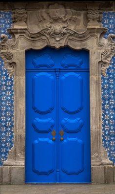 Door Knockers, Door Knobs, Braga Portugal, Doors Galore, Open Door Policy, Door Detail, Unique Doors, Entrance Gates, Color Tile