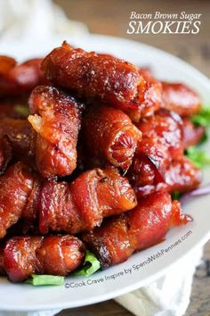 Bacon Brown Sugar Smokies and Tailgating Recipes and Football Party Food Ideas for your stadium gathering on Frugal Coupon Living. Appetizers for game day. Cocktail Weenies, Cocktail Sausages, Cocktail Sausage Recipes, Horderves Christmas, Appetizers For Christmas Party, Fall Finger Foods, Holiday Appitizers, Christmas Party Finger Foods, Breakfast Finger Foods