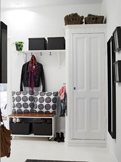 what I wouldn't give for some white walls and natural lighting, dorm living… Hallway Inspiration, Interior Inspiration, Black And White Hallway, White Walls, Black White, Decoration Entree, Entry Hallway, Ikea Hallway, Hallway Storage