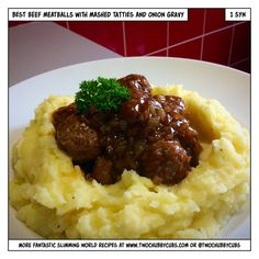 comfort food meatballs with onion gravy and mashed potatoes (two chubby cubs) Slimming World Beef, Slimming Workd, Easy Cooking, Cooking Recipes, Best Meatballs, Onion Gravy, Healthy Eating Recipes, Healthy Dinners, Healthy Foods