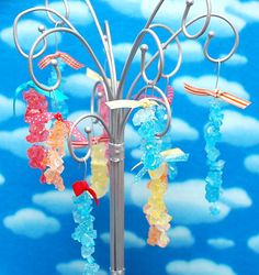 rock candy tree Willy Wonka, Rock Candy, Sugar Rush, Candyland, Table Centerpieces, Holiday Parties, First Birthdays, Party Favors, Party Themes