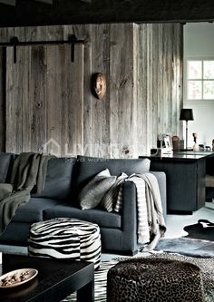 wood walls + the grey couch Scapa Home, Home Sofa, Living Spaces, Living Room, European House, Lodge Decor, Scandinavian Home, Modern Rustic Interiors, Great Rooms