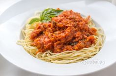 Špagety s tuniakom a zeleninou Spaghetti, Food And Drink, Ethnic Recipes, Kitchen, Cuisine, Home Kitchens, Kitchens, Noodle, Cucina