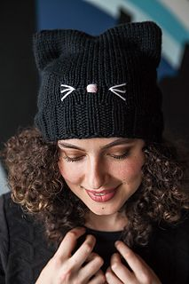 pattern by Pattymac Knits Ravelry: C'Mon, Cat Happy! pattern by Pattymac Knits Knitting Blogs, Knitting For Beginners, Baby Knitting Patterns, Loom Knitting, Crochet Patterns, Crochet Beanie, Knit Crochet, Crochet Hats, Diy Crochet Pillow