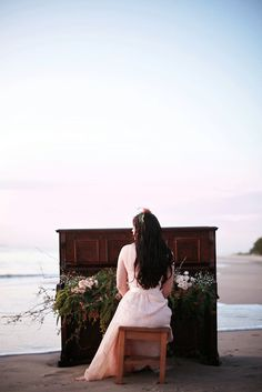 When you're a photography and your friend, who is also a pianist, wants a portrait shoot, you deliver some stunning shots! Click through to the link to see several others shots from this beach music theme.  | Photos by Sweet Hope Photography