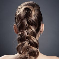 Image from http://slodive.com/wp-content/uploads/2013/04/cool-hairstyles-for-long-hair/long-brown-hair.jpg.