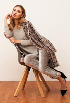 Warm und schick aus #Italien: Modische #Loungewear #Freizeitjacke von #ChiaraFiorini in #grau #rosa. Hochwertig #MadeinItaly aus #Wolle mit #Karomuster 😃  #seidenshop #chiarafiorinilingerie #robe #gown #homewear #nightwear #leisurewear #sleepwear #lingerie #seidenland #bydaybynight #fall2019 #homewear2019 #winter #italianlingerie  #lingerieonline  #luxuryhomewear #luxurylingerie #nachtwäsche #lingerieaddict