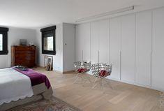 Modelo de #armario Sandra con puertas batientes. #Decoracion #Interiorismo #PuertasBatientes Divider, Room, Furniture, Closets, Madrid, Home Decor, Babies, Model, Swinging Doors