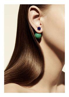 """La boucle d'oreille unique """"Mise en Dior"""" Camille Miceli Christian Dior"""