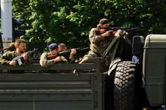 Ukraine refugee convoy attacked by pro-Russian rebels in Luhansk - BelleNews.com