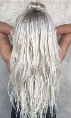 Hair Color Ideas 2017  2018   icy blonde hair color Discovred by   Mane  Capelli cc17d8acada6