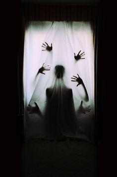 Eerie | Creepy | Surreal | Uncanny | Strange | 不気味 | Mystérieux | Strano | Nadaec photography