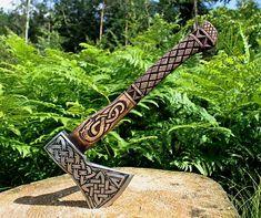 Thors Hammer, Axe Tattoo, Wood Axe, Throwing Axe, Beil, Axe Handle, Viking Axe, Axe Head, Battle Axe