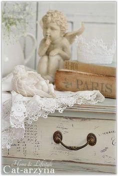 The lovely styles of shabby chic...Dresser (429×640)