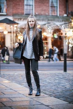 Style Gamblers: Cold in the city#cold#blogger#fashion#jumper#stylegamblers