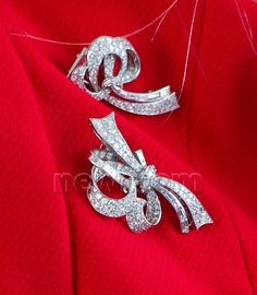 Diamond pins worn by Crown Princess Maxima of the Netherlands