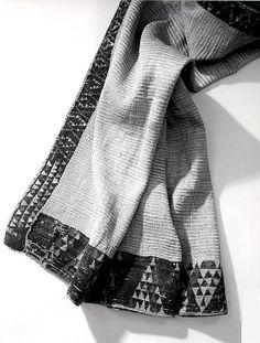 Maori cloak, century Flax, wool, fiber Metropolitan Museum of Art Flax Weaving, Maori People, Maori Designs, Maker Culture, Maori Art, Kiwiana, Folk Costume, Art Object, Festival Wear