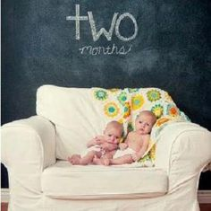 cute way or capturing your baby's growth!