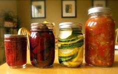 A Minnesota Canning Bee: How to Host a Home Canning Party - Really interesting article about Canning Bees...I wanna do one now!