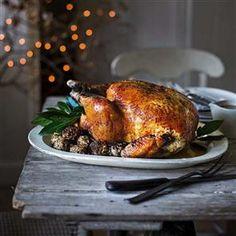 Recipe: Christmas turkey with juniper and rye stuffing balls and turkey gravy. Christmas Style, Christmas Turkey, Christmas Menus, Christmas Recipes, Christmas Drinks, Christmas Cooking, Christmas 2014, Christmas Carol, Thanksgiving