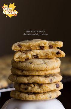 DIE BESTEN Vegan Chocolate Chip Cookies | Die Viet Vegan | scharfe Kanten, zähe Zentrum, perfekte Schokolade-to-cookie-Verhältnis.