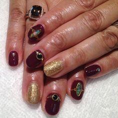 Classic Plum with Gold and Opal #holidaynails #gelnails #prestogel #nailart #heynicenails #longbeach #chocolatediamond  (at Hey Nice Nails)