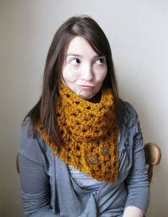 Cowl scarf with buttons in Butterscotch!