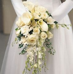 Not exactly the flowers or colours I want but the right size and shape. Love the old school waterfall bouquet. #wedding #roses