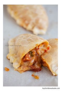 empanada - chorizo, onion, red bell pepper, green bell pepper, and a mix of Monterey and Pepper Jack cheese. Mexican Dishes, Mexican Food Recipes, Real Food Recipes, Yummy Food, Spanish Recipes, Homemade Chorizo, Empanadas Recipe, International Recipes, Creative Food