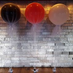 Just created these tulle covered jumbo balloons for a 21st tonight.  What do you think?  #buildabirthday #partysuppliesnz #helium #tullecoveredballoons #jumboballoon #21stparty #weddingballoons