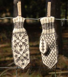 Hand Knit Norwegian Mittens Child Size Small by knittingupnorth