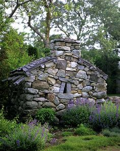 Come home to cozy rock fireplaces that will warm your hearth . Craftsman-inspired designs superbly crafted in stone. Dry Stack Stone, Dry Stone, Brick And Stone, Stone Work, Stone Masonry, Stone Walls, Stone Cottages, Stone Houses, Amazing Gardens