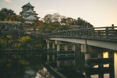 Osaka Castle at sunset Osaka Japan. . . #osaka #travel #japan #dotonbori #castle #viaje #japon #日本 #大阪市 #旅行 #bridge #sunset #canon #eos #eosm #photography #photographer #streetphotography #martinepelde
