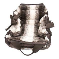 Aus der Kategorie Boxen & Tragetaschen  gibt es, zum Preis von EUR 263,00  <p><b>napidoo Hundetasche Hundebett</b></p> <p>Hundekörbchen in Form einer sportlichen Tasche mit zwei Schubfächern. Das Außenmaterial besteht aus strapazierfähigem Nylon.<br> Den Innenbezug wählen Sie aus vielen schönen Farben und Stoffarten.<br> Ein abnehmbarer und verstellbarer Schultergurt verbessert den Tragekomfort. Gemütlicher Baumwollstoff kleidet die Liegefläche des Hundekörbchens aus.</br></p> <p> Die…