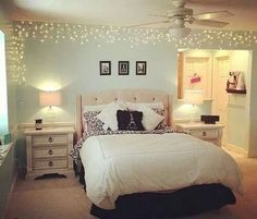 put lights all around border of room                                                                                                                                                                                 Mais