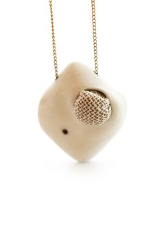 Bubble necklace by lacuna jewelry, yafit ben meshulam, contemporary white necklace, 3d printing