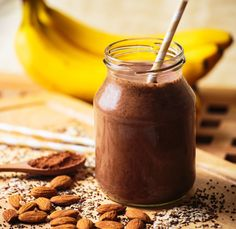 3 retete de smoothie-uri sanatoase, perfecte pentru Sarbatori! Superfood, C'est Bon, Caramel Apples, Candle Jars, Food And Drink, Pudding, Sweets, Snacks, Drinks