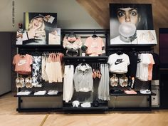Clothing Store Displays, Clothing Store Design, Fresh Store, Outdoor Store, Sneaker Stores, Lpga, Retail Interior, Merchandising Displays, Retail Design